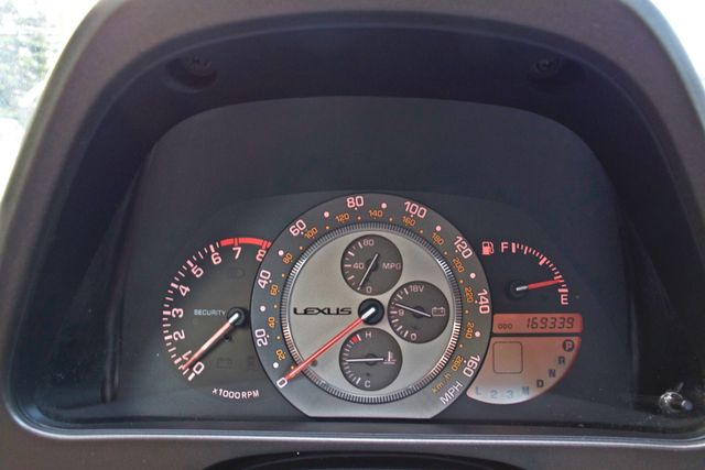 2001 Lexus IS 300 SPORT AUTOMATIC XENON ALLOY WHLS SERVICE RECORDS 1-OWNER Woodland Hills, CA 12