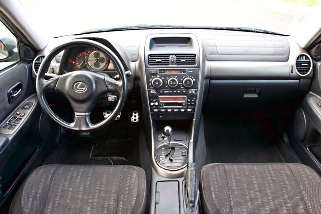 2001 Lexus IS 300 SPORT AUTOMATIC XENON ALLOY WHLS SERVICE RECORDS 1-OWNER Woodland Hills, CA 15