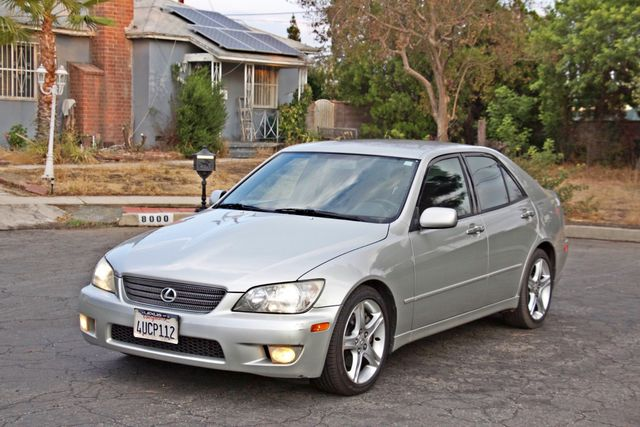 2001 Lexus IS 300 SPORT AUTOMATIC XENON ALLOY WHLS SERVICE RECORDS 1-OWNER Woodland Hills, CA 9