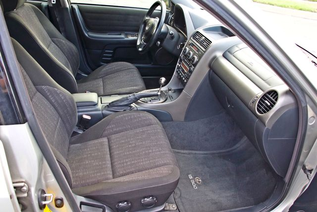 2001 Lexus IS 300 SPORT AUTOMATIC XENON ALLOY WHLS SERVICE RECORDS 1-OWNER Woodland Hills, CA 21