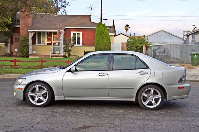 2001 Lexus IS 300 SPORT AUTOMATIC XENON ALLOY WHLS SERVICE RECORDS 1-OWNER Woodland Hills, CA 2