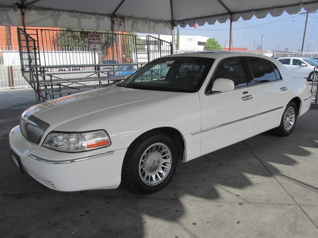 2001 Lincoln Town Car Cartier This particular vehicle has a SALVAGE title Please call or email to