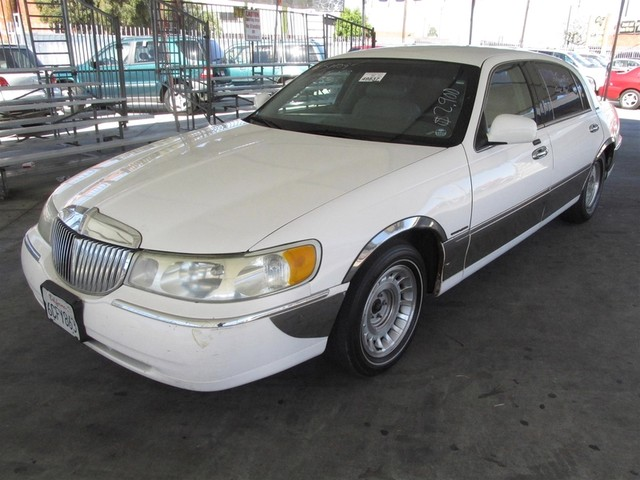 2001 Lincoln Town Car Executive L Please call or e-mail to check availability All of our vehicl