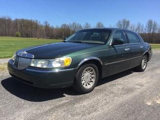 2001 Lincoln Town Car Signature Ravenna, Ohio