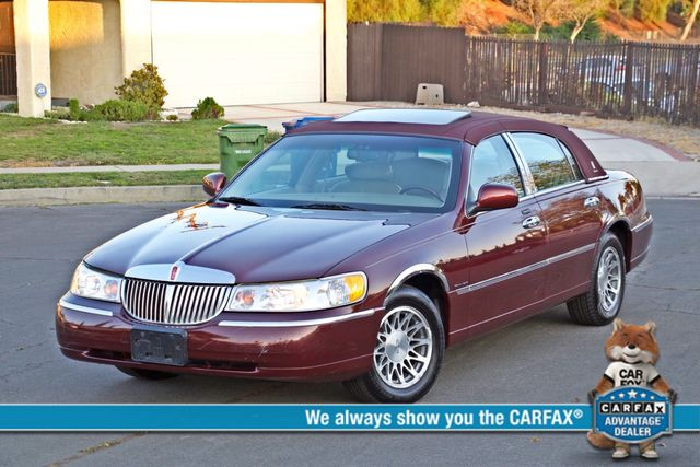 2001 Lincoln TOWN CAR SIGNATURE ONLY 58K ORIGINAL MLS AUTO SERVICE RECORDS NEW TIRES Woodland Hills, CA 0
