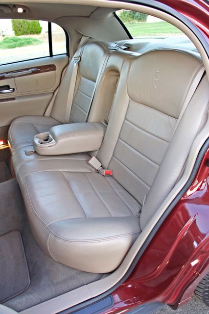 2001 Lincoln TOWN CAR SIGNATURE ONLY 58K ORIGINAL MLS AUTO SERVICE RECORDS NEW TIRES Woodland Hills, CA 31