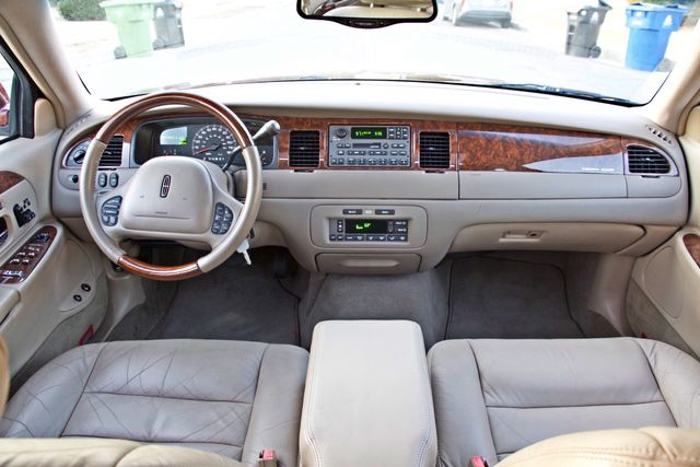 2001 Lincoln TOWN CAR SIGNATURE ONLY 58K ORIGINAL MLS AUTO SERVICE RECORDS NEW TIRES Woodland Hills, CA 22