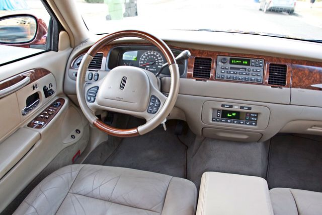 2001 Lincoln TOWN CAR SIGNATURE ONLY 58K ORIGINAL MLS AUTO SERVICE RECORDS NEW TIRES Woodland Hills, CA 23