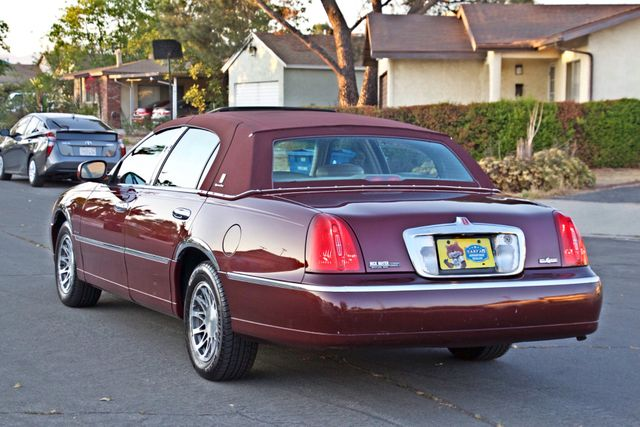2001 Lincoln TOWN CAR SIGNATURE ONLY 58K ORIGINAL MLS AUTO SERVICE RECORDS NEW TIRES Woodland Hills, CA 4