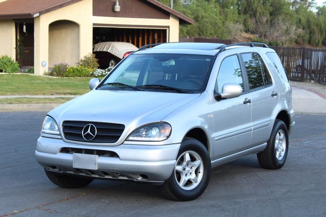 2001 Mercedes-Benz ML320 AUTOMATIC SUNROOF LEATHER XENON SERVICE RECORDS! Woodland Hills, CA 12