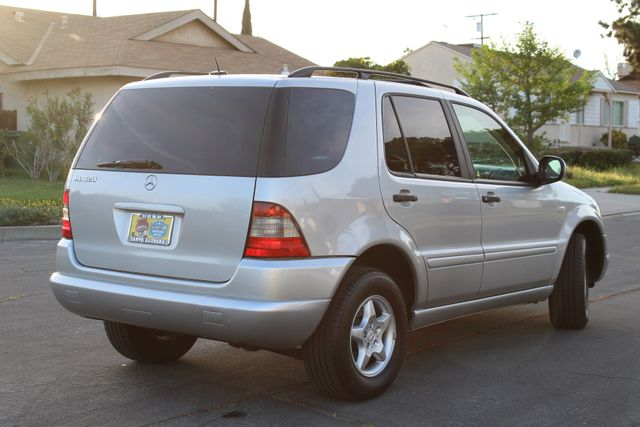 2001 Mercedes-Benz ML320 AUTOMATIC SUNROOF LEATHER XENON SERVICE RECORDS! Woodland Hills, CA 7