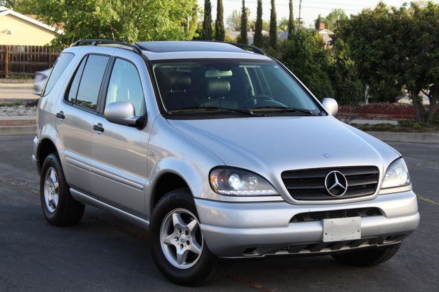 2001 Mercedes-Benz ML320 AUTOMATIC SUNROOF LEATHER XENON SERVICE RECORDS! Woodland Hills, CA 9