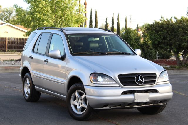 2001 Mercedes-Benz ML320 AUTOMATIC SUNROOF LEATHER XENON SERVICE RECORDS! Woodland Hills, CA 10