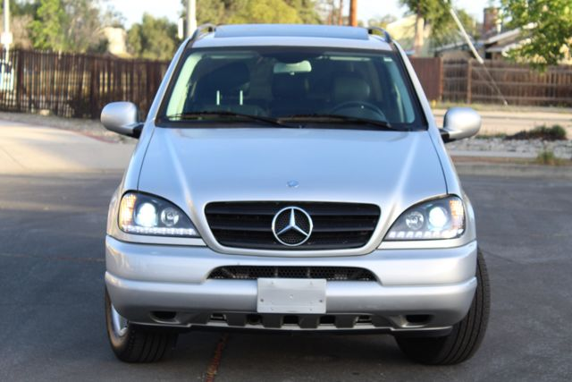 2001 Mercedes-Benz ML320 AUTOMATIC SUNROOF LEATHER XENON SERVICE RECORDS! Woodland Hills, CA 11