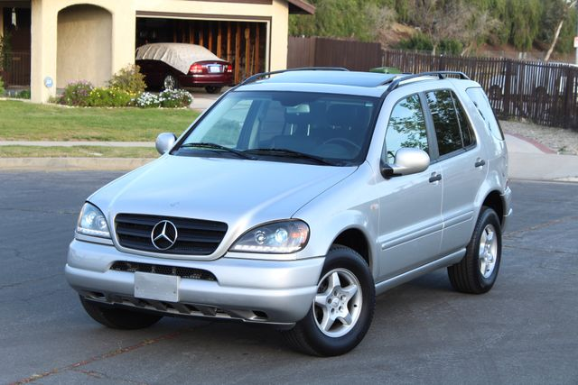 2001 Mercedes-Benz ML320 AUTOMATIC SUNROOF LEATHER XENON SERVICE RECORDS! Woodland Hills, CA 33