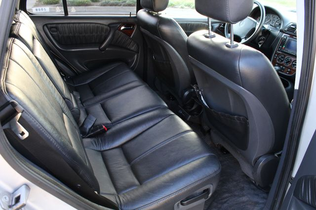 2001 Mercedes-Benz ML320 AUTOMATIC SUNROOF LEATHER XENON SERVICE RECORDS! Woodland Hills, CA 28