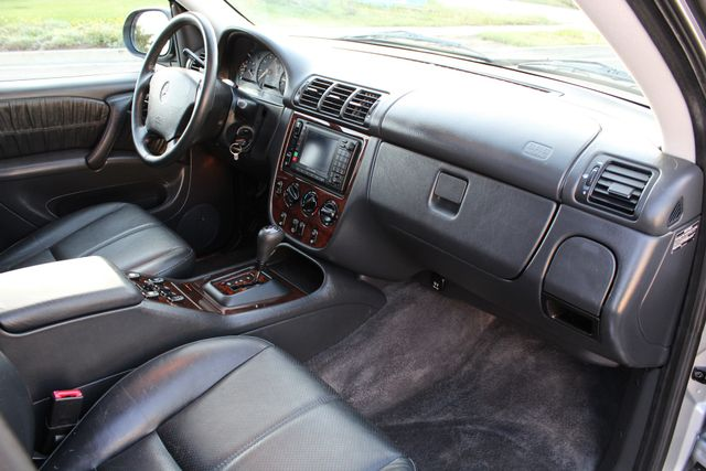 2001 Mercedes-Benz ML320 AUTOMATIC SUNROOF LEATHER XENON SERVICE RECORDS! Woodland Hills, CA 27