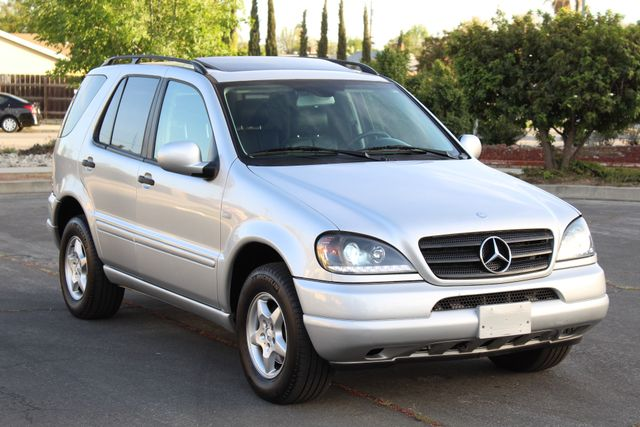 2001 Mercedes-Benz ML320 AUTOMATIC SUNROOF LEATHER XENON SERVICE RECORDS! Woodland Hills, CA 31