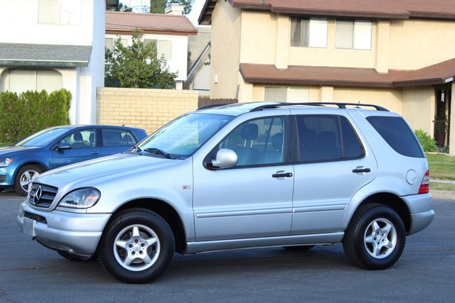 2001 Mercedes-Benz ML320 AUTOMATIC SUNROOF LEATHER XENON SERVICE RECORDS! Woodland Hills, CA 1
