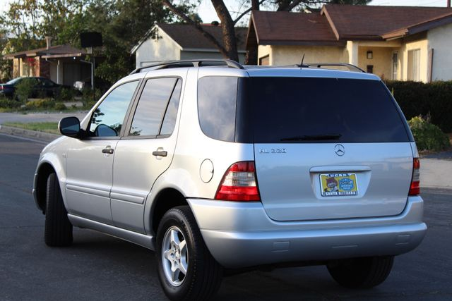 2001 Mercedes-Benz ML320 AUTOMATIC SUNROOF LEATHER XENON SERVICE RECORDS! Woodland Hills, CA 4