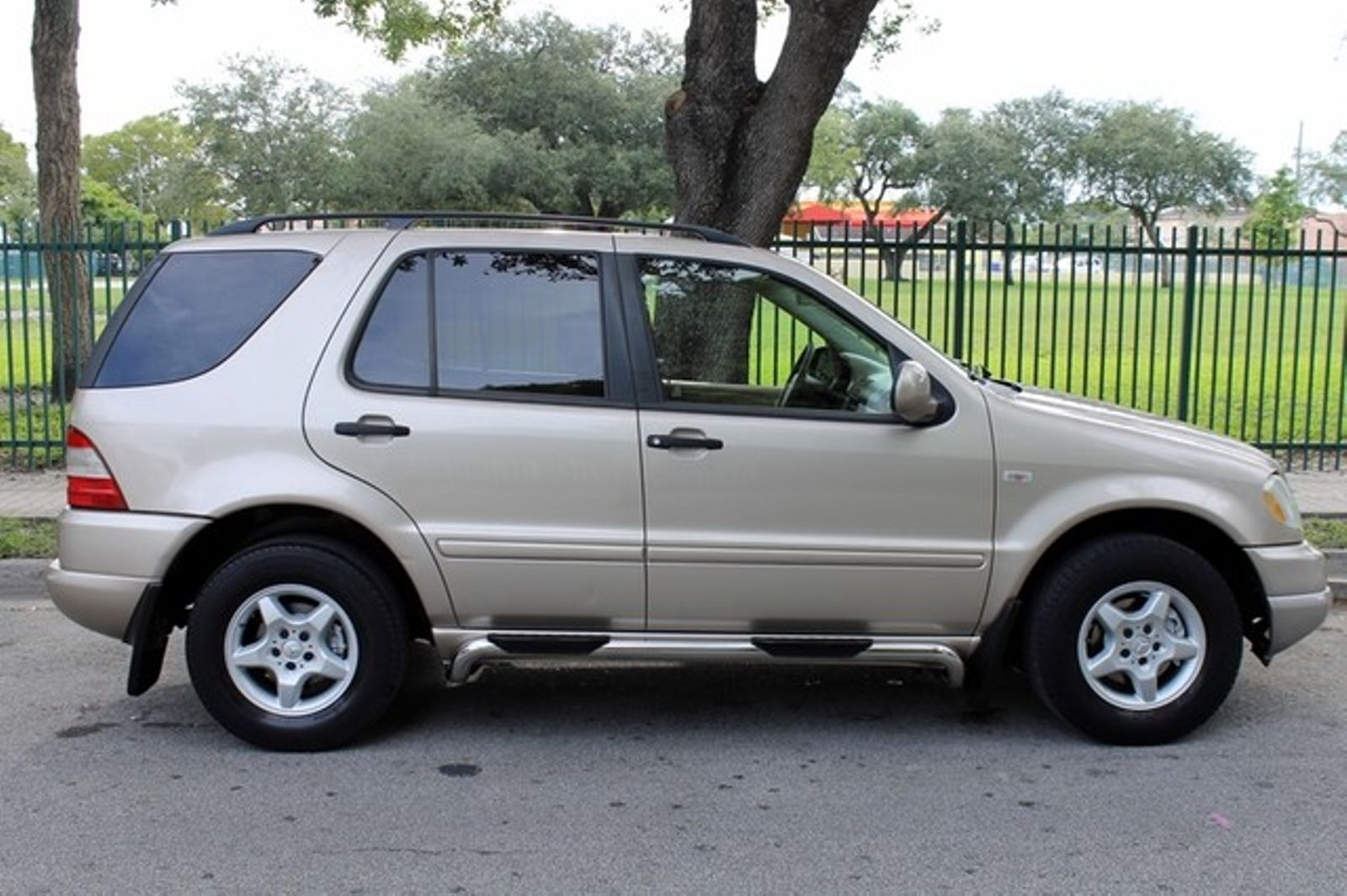Mercedes Benz mercedes benz ml320 : 2001 Mercedes-Benz ML320 city Florida The Motor Group