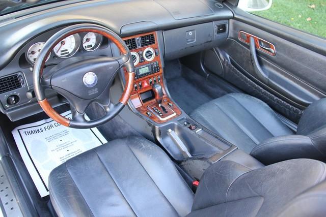 2001 Mercedes-Benz SLK320 Santa Clarita, CA 8