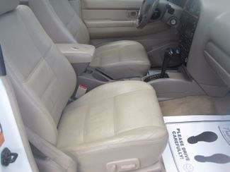2001 Nissan Pathfinder LE Englewood, Colorado 23