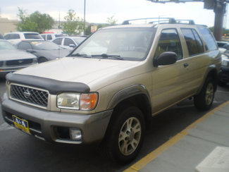 2001 Nissan Pathfinder SE Englewood, Colorado 1
