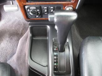 2001 Nissan Pathfinder LE Gardena, California 7