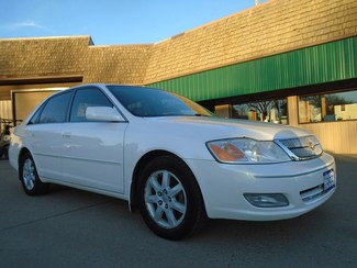 2001 Toyota Avalon XLS w/Bench Seat in Dickinson, ND
