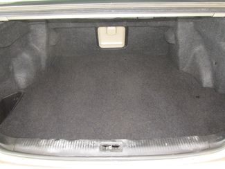 2001 Toyota Avalon XL w/Bucket Seats Gardena, California 12