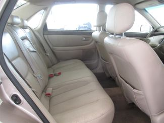 2001 Toyota Avalon XL w/Bucket Seats Gardena, California 13