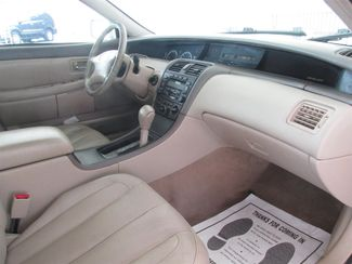 2001 Toyota Avalon XL w/Bucket Seats Gardena, California 9