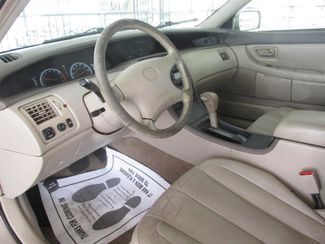2001 Toyota Avalon XL w/Bucket Seats Gardena, California 4