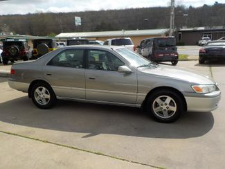 2001 Toyota Camry LE Fayetteville , Arkansas 3