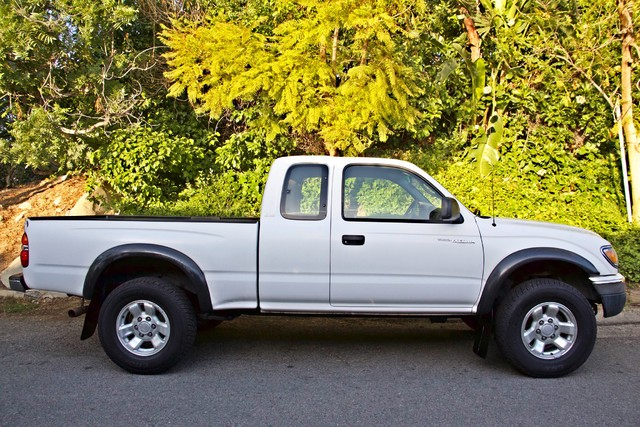 2001 Toyota TACOMA PRERUNNER 1-OWNER AUTOMATIC V6 SERVICE RECORDS NEW TIRES Woodland Hills, CA 7