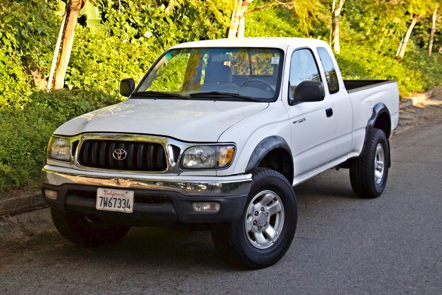 2001 Toyota TACOMA PRERUNNER 1-OWNER AUTOMATIC V6 SERVICE RECORDS NEW TIRES Woodland Hills, CA 27