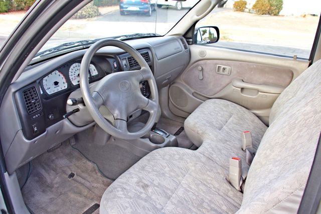2001 Toyota TACOMA SR5 PRERUNNER 1-OWNER 4 NEW TIRES SERVICE RECORDS! Woodland Hills, CA 16