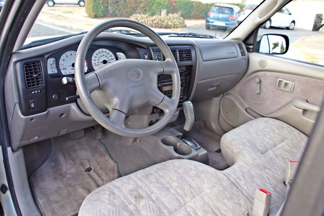 2001 Toyota TACOMA SR5 PRERUNNER 1-OWNER 4 NEW TIRES SERVICE RECORDS! Woodland Hills, CA 15
