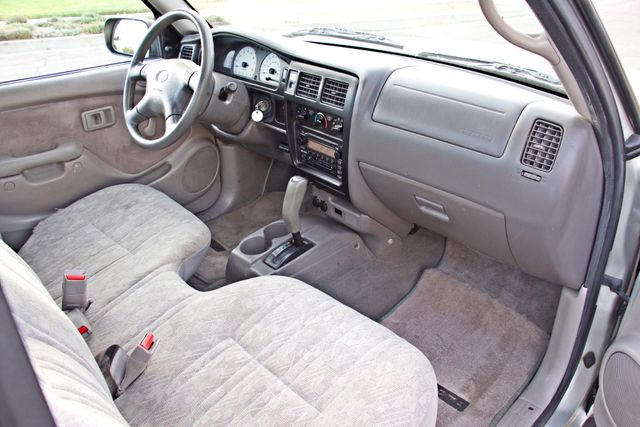 2001 Toyota TACOMA SR5 PRERUNNER 1-OWNER 4 NEW TIRES SERVICE RECORDS! Woodland Hills, CA 21