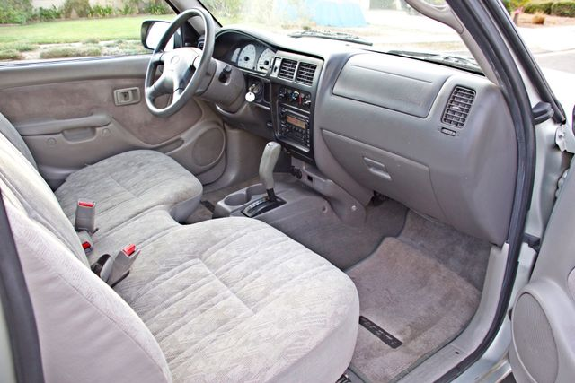 2001 Toyota TACOMA SR5 PRERUNNER 1-OWNER 4 NEW TIRES SERVICE RECORDS! Woodland Hills, CA 22