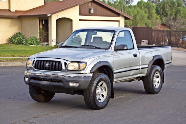 2001 Toyota TACOMA SR5 PRERUNNER 1-OWNER 4 NEW TIRES SERVICE RECORDS! Woodland Hills, CA 10