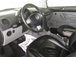 2001 Volkswagen New Beetle GLX Gardena, California 4