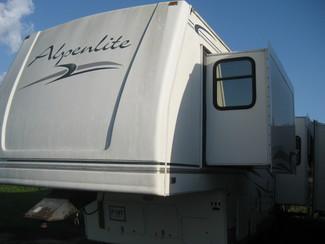 2002 Alpenlite 33rk Fifth Wheel 3 Slide outs Katy, Texas 1
