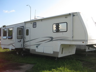 2002 Alpenlite 33rk Fifth Wheel 3 Slide outs Katy, Texas