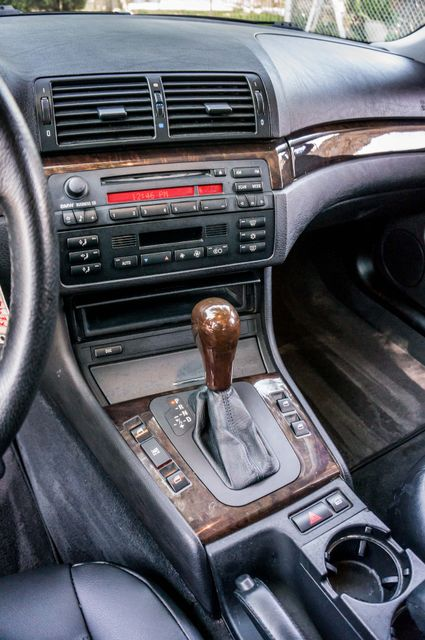 2002 BMW 325i Reseda, CA 24