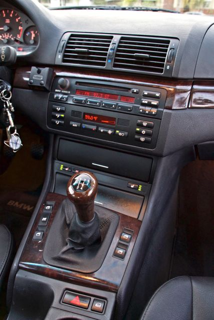 2002 BMW 325xi AWD PREMIUM PKG ONLY 78K MLS 5-SPEED MANUAL HEATED SEATS Woodland Hills, CA 19