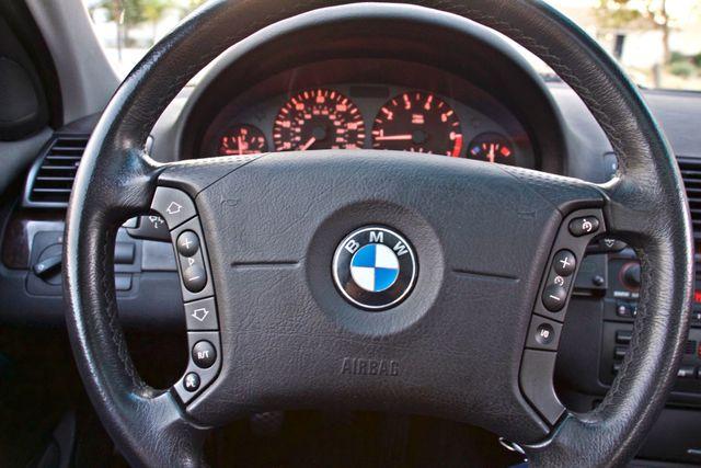 2002 BMW 325xi AWD PREMIUM PKG ONLY 78K MLS 5-SPEED MANUAL HEATED SEATS Woodland Hills, CA 17