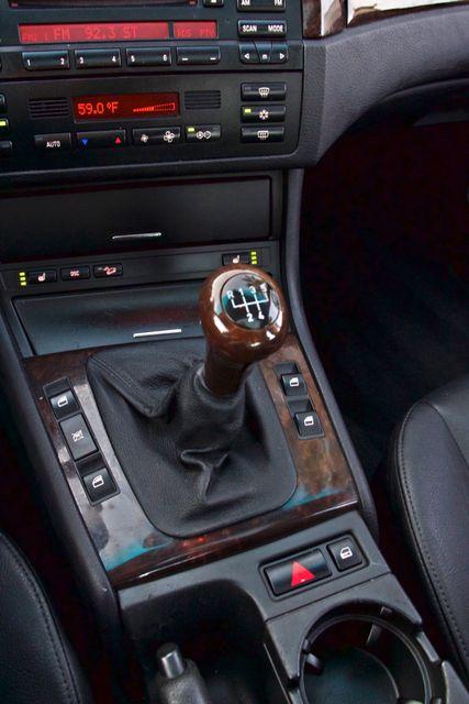 2002 BMW 325xi AWD PREMIUM PKG ONLY 78K MLS 5-SPEED MANUAL HEATED SEATS Woodland Hills, CA 20