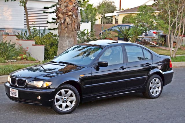 2002 BMW 325xi AWD PREMIUM PKG ONLY 78K MLS 5-SPEED MANUAL HEATED SEATS Woodland Hills, CA 4